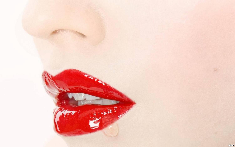 Как сосать губы партнера